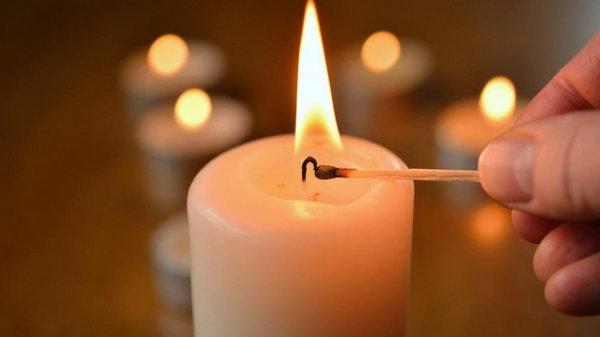 Оказывается, мы всю жизнь зажигали свечи неправильно