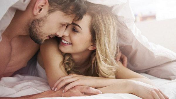 Психологи назвали самые вредные женские привычки в постели