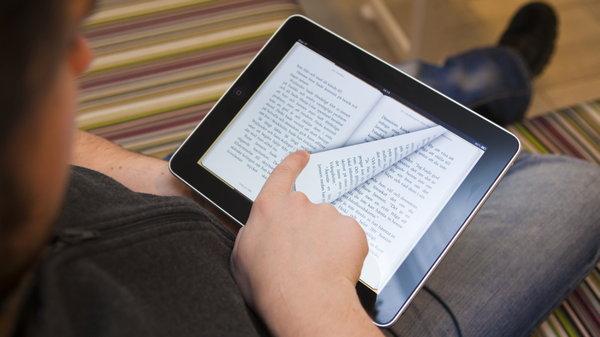 Экран против бумаги. На чём лучше читать?