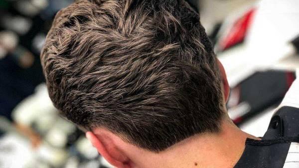 Окантовка и укладка волос: нужно ли это мужчине?