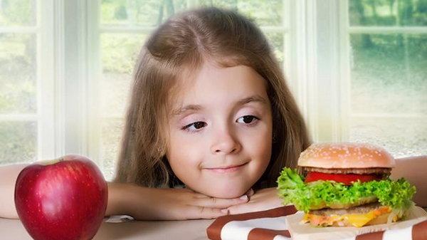 Как отучить ребёнка от вредной еды? 7 полезных советов
