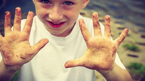 Как уберечь ребенка от болезни грязных рук?