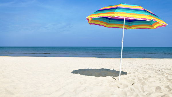 Как выбрать пляжный зонт?