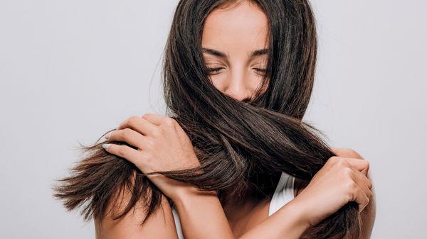 Как правильно ухаживать за темными волосами